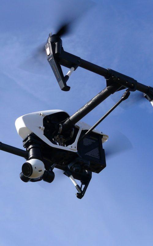 drone-1006886_1920